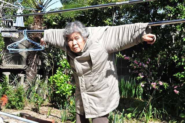 mmtv-89-year-old-japanese-grandma-kimiko-nishimoto-3.jpg
