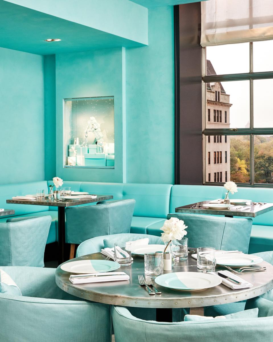 mmtv-breakfast-at-tiffany-blue-box-cafe-2.jpg