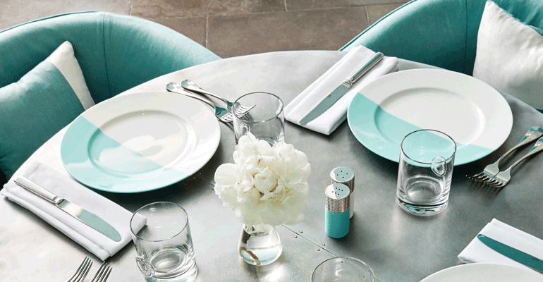 mmtv-breakfast-at-tiffany-blue-box-cafe-3.png
