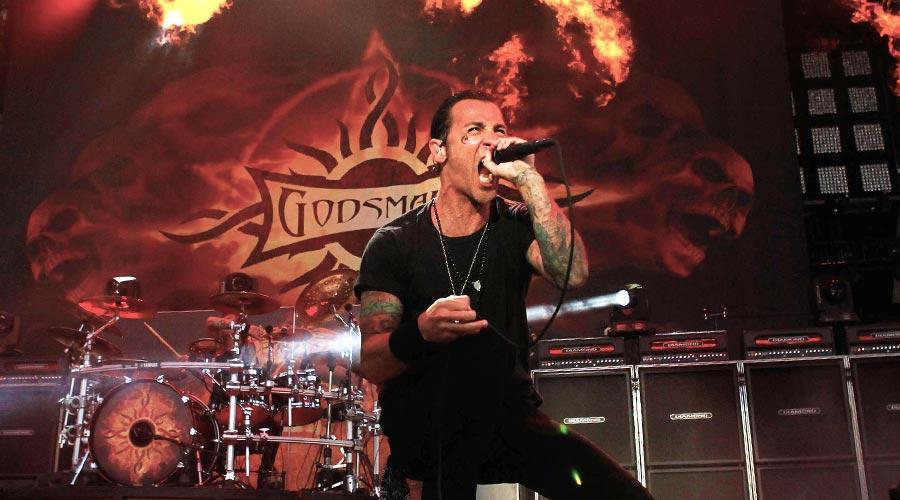 Хиляди се размазаха от кеф на концерта на Godsmack | ВИДЕО