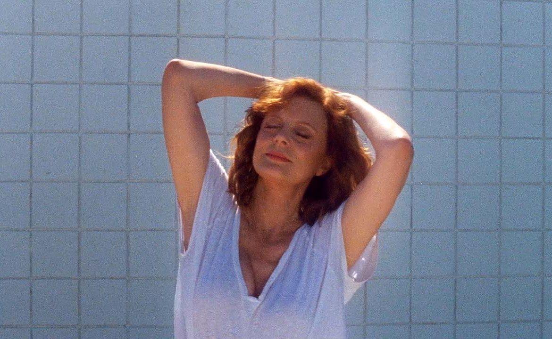 Susan Sarandon на 70 танцува в новото видео на Justice - Fire