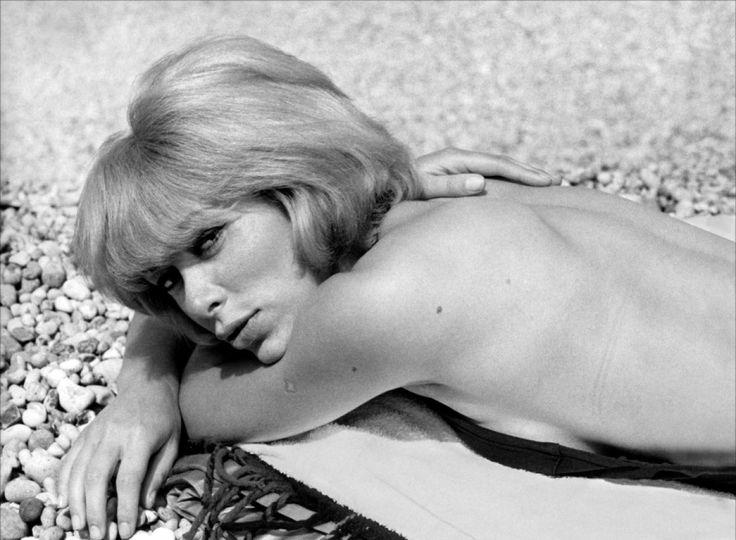 Mireille Darc си отиде на 79-годишна възраст.