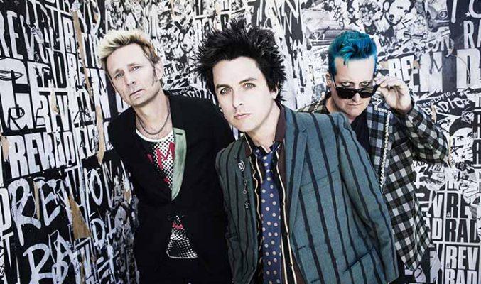 "Green Day са ""Любимата група на Бог"" в нов албум. MMTV Green Day posing for a photo"