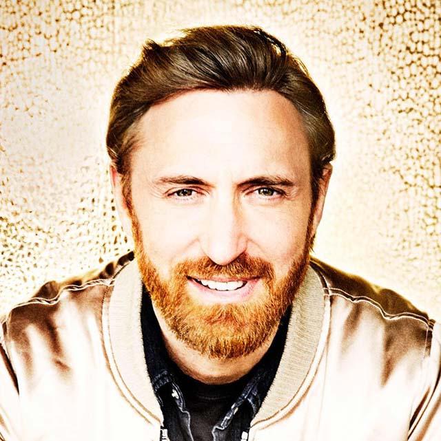 David Guetta с пореден звезден проект... MMTV Online David Guetta smiling and posing for a photo