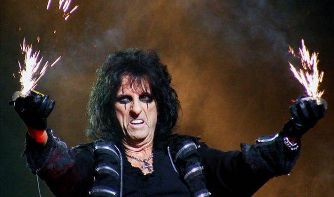 """Alice Cooper става Цар Ирод в мюзикъла """"Исус Христос суперзвезда"""""""