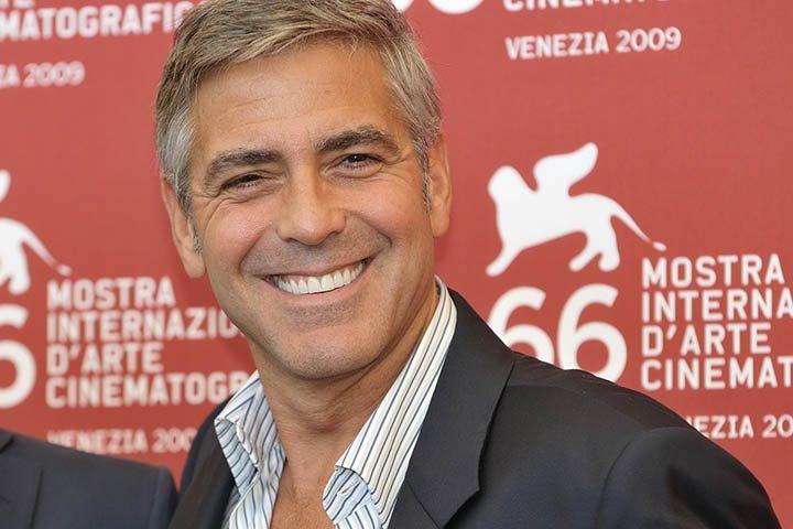 George Clooney раздал милиони на приятелите си. MMTV