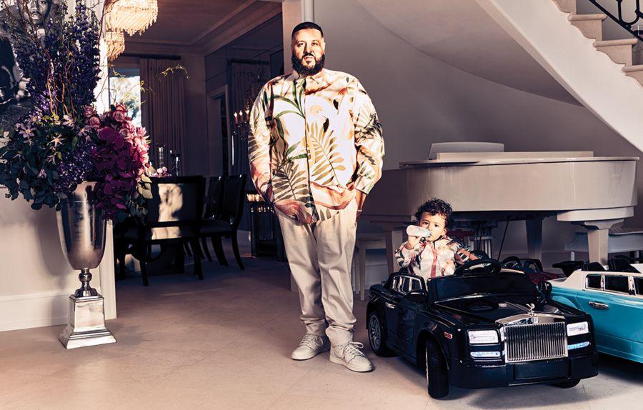 Синът на DJ Khaled, Asahd в лъскав автомобил-играчка