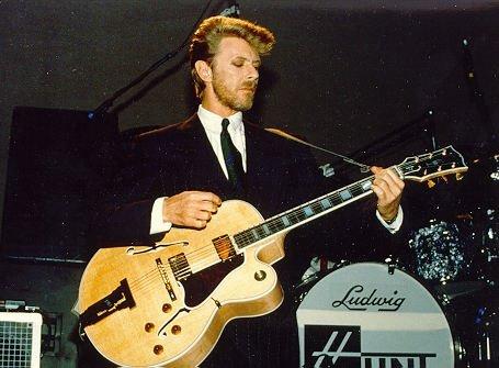 David Bowie Gibson