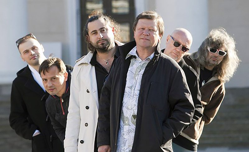 Dainius Pulauskas Group posing a to jazz