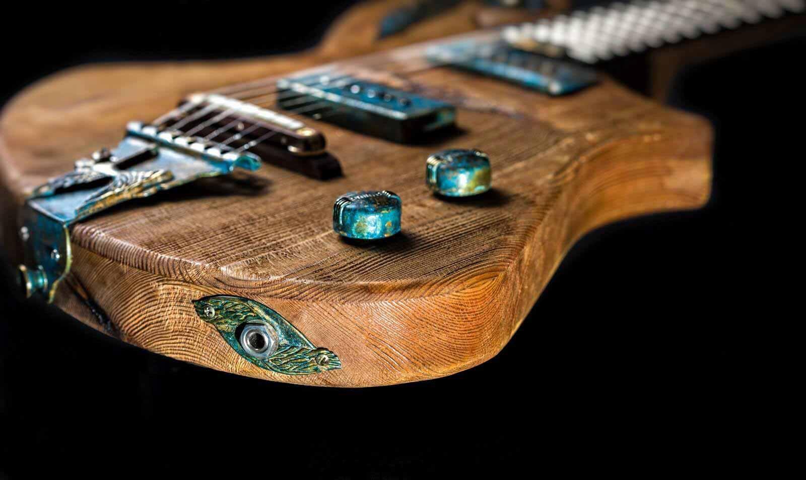 Историята на съвременната музика е значително оформена от един инструмент - електрическата китара