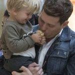 """Michael Buble обясни, че болката, която е претърпял след поставената диагноза на сина му е променила изцяло """"възприятието му за живота""""."""