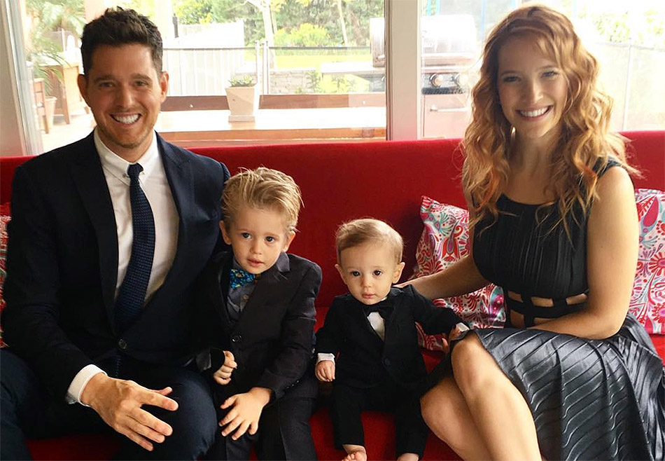 Michael Buble е женен за ослепителната аржентинската актрисата Luisana Lopilato, с която имат три деца.