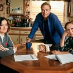Джон Гудман, Лори Меткалф и Сара Гилбърт от The Conners правят 375,000 долара на епизод