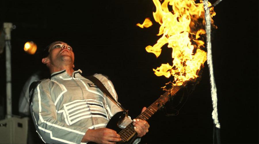 Китаристът на Rammstein: Рокът е мъртъв! | MMTV