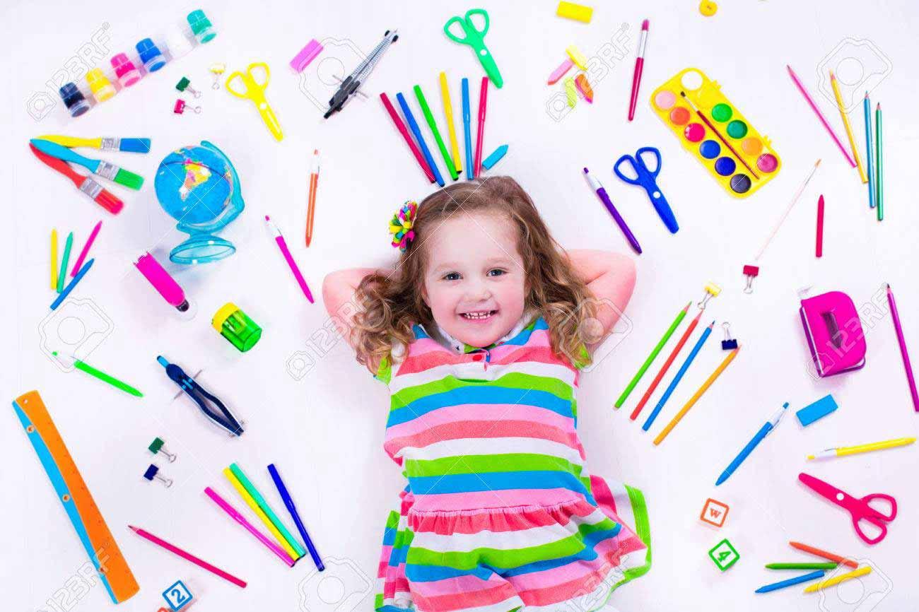 Малкото Ойлен-Шмойленче имаше една мечта - да изобретят машина на времето и то да се върне обратно в детската градина