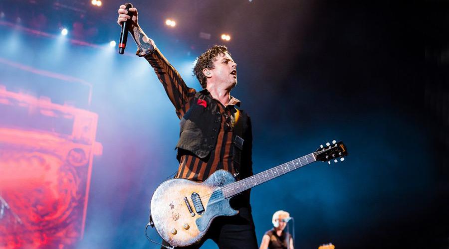 Billie Joe Armstrong пише нова музика за Green Day   MMTV