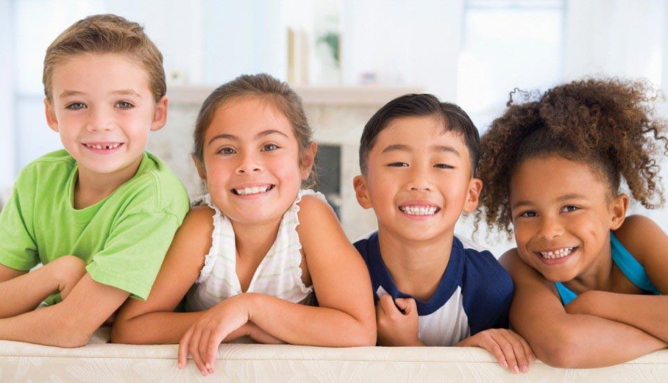 Отскоро се беше случило така, че малкото Ойлен-Шмойленче живееше в нова държава, ходеше на ново училище и имаше нови приятели
