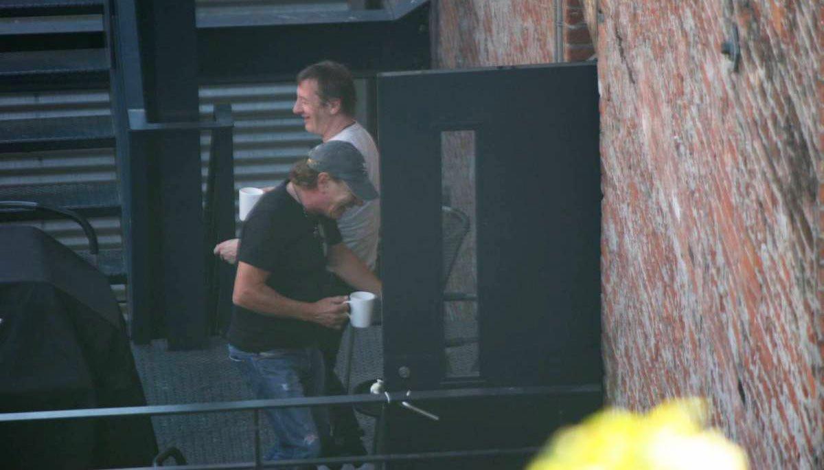 Миналото лято Брайън Джонсън и Фил Ръд бяха забелязани заедно пред студиото, където бяха записани последните три албума на AC / DC.