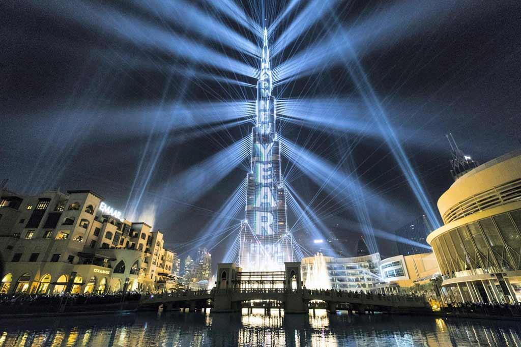 Отново на 1 януари 2019 г. е поставен друг рекорд в ОАЕ - най-голямото шоу от звук и светлина на единична постройка е сътворено на върха на обявената за най-висока сграда в света Бурж Ал Калифа