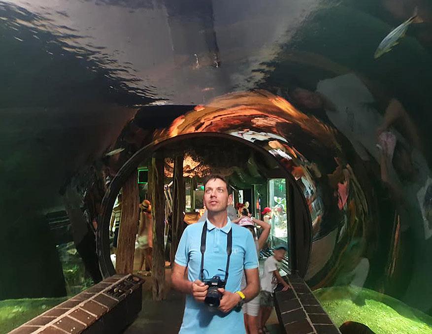 Съвсем наскоро посети с близкия си приятел и колега от ММ Васко и концерта на Metallica в Прага, разходи се в зоологическата градина на Виена и му предстоеше ново пътуване днес, на 8-ми септември.