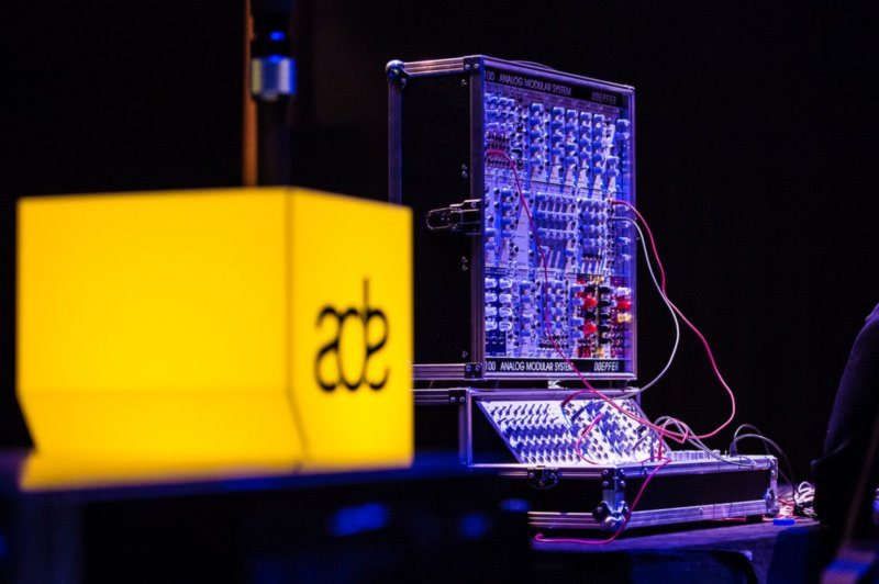 Тази година ADE отбелязва 100 годишнината на електронните инструменти