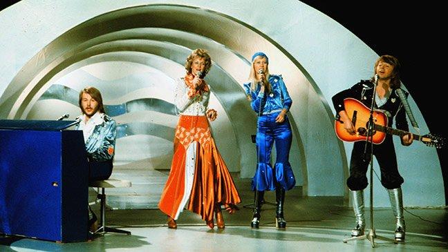 """Годината е 1974, """"ABBA"""" печелят Евровизия в Брайтън с хита """"Waterloo"""" и животът им се преобръща"""