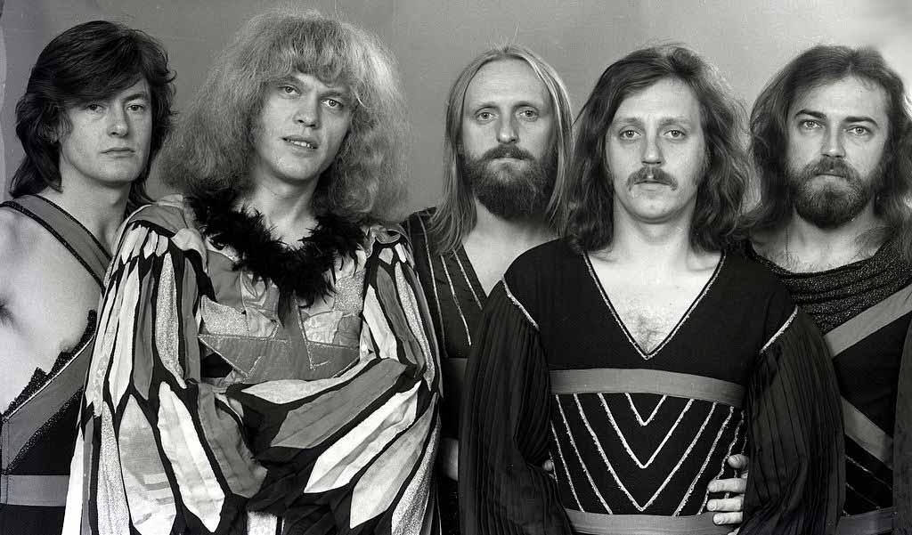 """Унгарската група """"Omega"""" е създадена през 1962 г. в Будапеща от László Benkő и János Kóbor. Тя се превръща в една от най-успешните и дълго съществуващи рок групи на всички времена, понякога наричана """"Унгарския Пинк Флойд""""."""