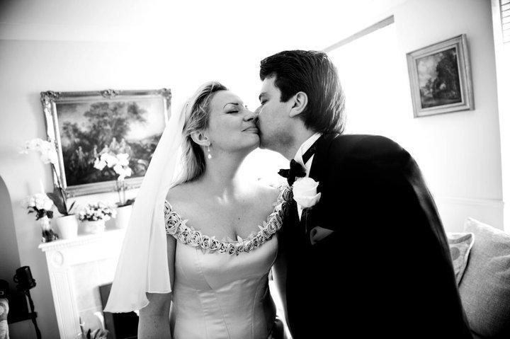 Със съпругът ми се виждаме само няколко дни в месеца, защото много пътуваме заради кариерите ни и много се обичаме.! Всяка среща е като среща с любовник - вълнуващо е!