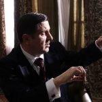 Асен Блатечки влиза в главната роля на видния български политик, дипломат и финансист Атанас Буров, а в ролята на влюбената в него секретарка Мария е Диляна Попова.
