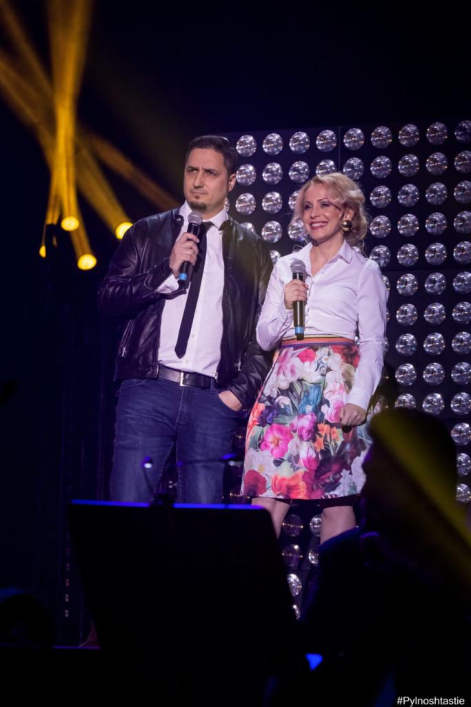 Кико, един от първите четирима водещи на музикалната медия и водещата Наталия представиха ежегодния ми предизборен фаворит: