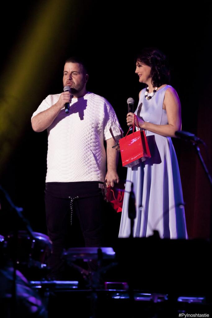 Руми и Роро представиха изненадата на бившите собственици на телевизия ММ, шоуменът Камен Воденичаров и Тони Танов: