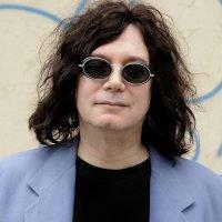 Авторът на I Love Rock 'n' Roll почина от коронавирус | MMTV
