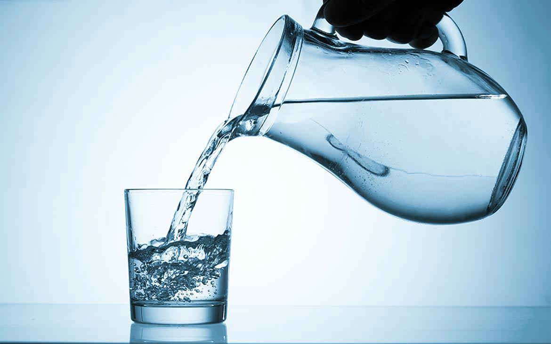 Всички трябва да поддържаме устата и гърлото си винаги ВЛАЖНИ, никога СУХИ, трябва да пиете 2-3 глътки вода поне на всеки 15 минути!!!