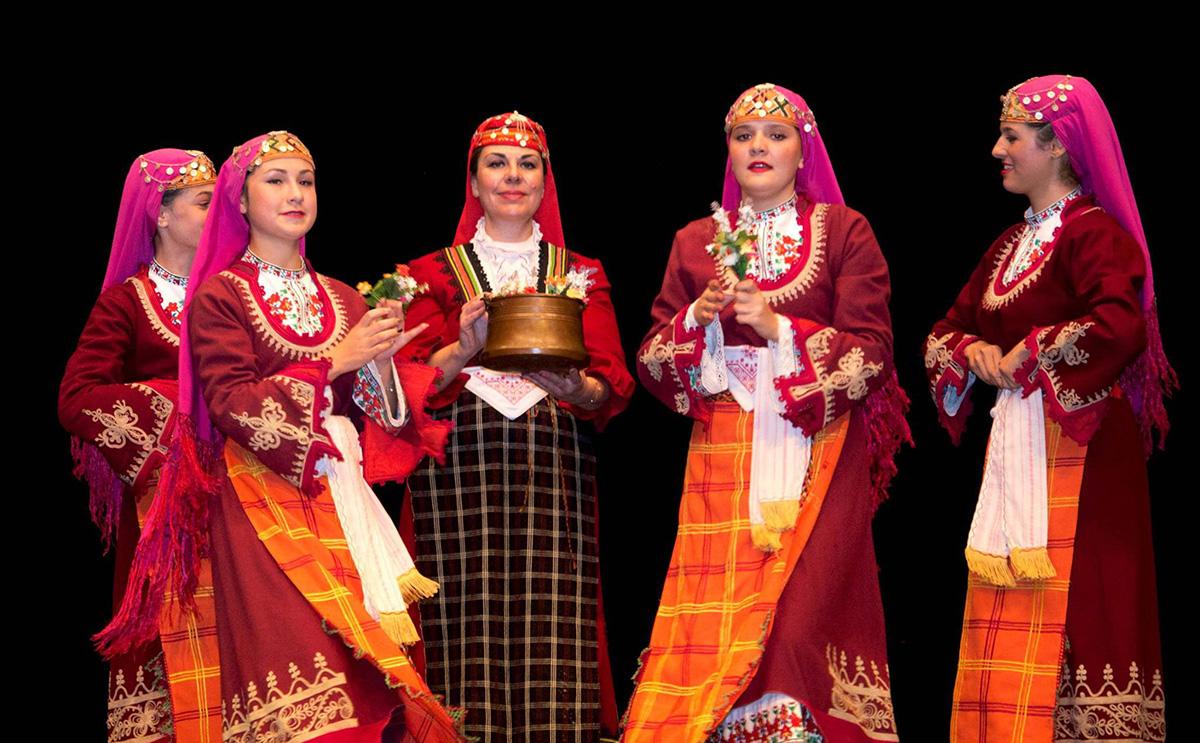 enyovden women tradition